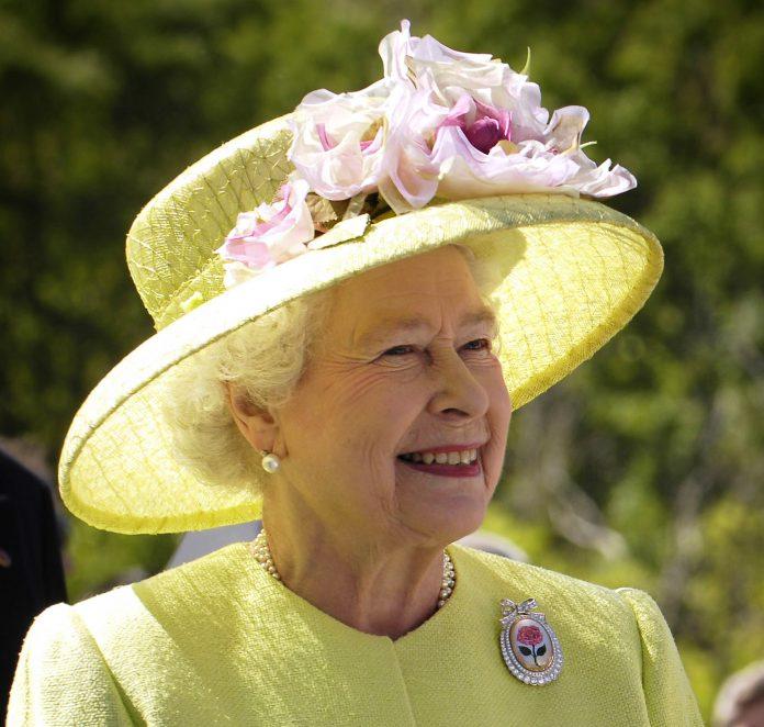 Ce oja foloseste Regina Elisabeta